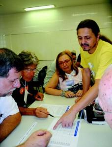 Foto: PRCEU Os alunos da Universidade Aberta à Terceira Idade em atividade: renovação de vida