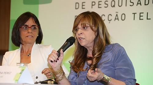 Da esq. para dir.: Beatriz Azeredo e autora Gloria Perez | Foto: Marcos Santos