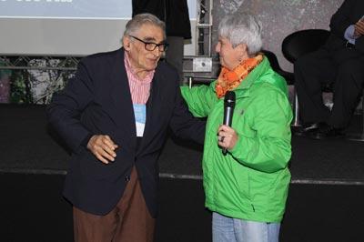 Ernest Hamburger: homenagem ao professor emocionou o público presente  Foto: Verônica Cristo