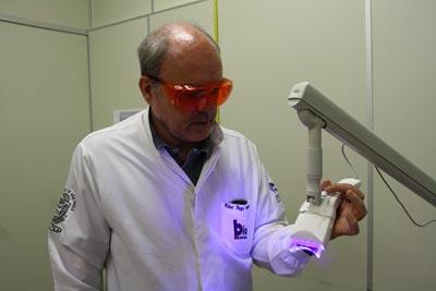 Aparelho que integra um LED, desenvolvido no estudo, tem custo entre R$ 3 e R$ 5 mil | Foto: Divulgação